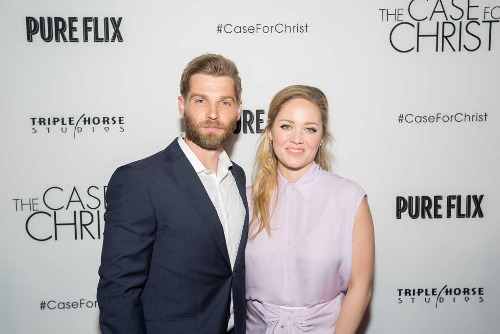 Mike Vogel and Erika Christensen attend The Case For Christ Premiere at AMC River East Theater on April 6, 2017 in Chicago, Illinois. (Photo by Jeff Schear/Getty Images for Pure Flix)