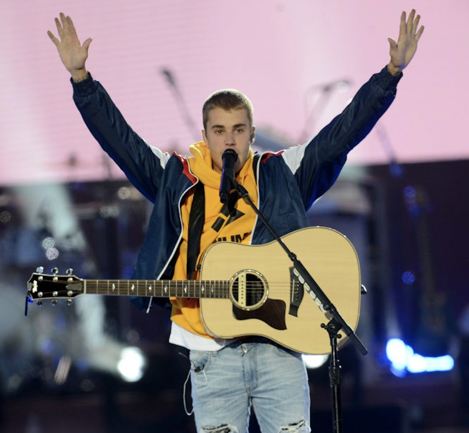 Justin Bieber performs on stage on June 4, 2017 in Manchester, England. (Getty Images/Dave Hogan for One Love Manchester)