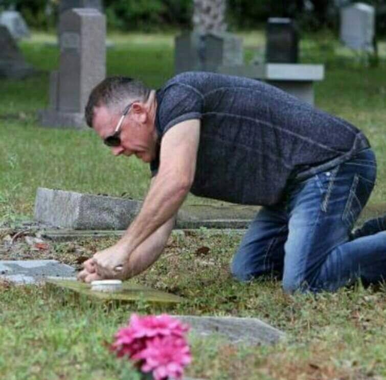 Image credit: The Good Cemeterian/Facebook.