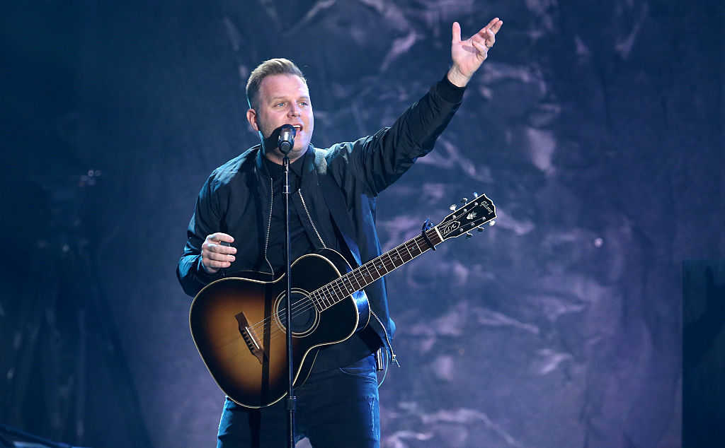 Matthew West closes out the 2016 Dove Awards at Allen Arena, Lipscomb University on October 11, 2016 in Nashville, Tennessee. (Terry Wyatt/Getty Images for Dove Awards)