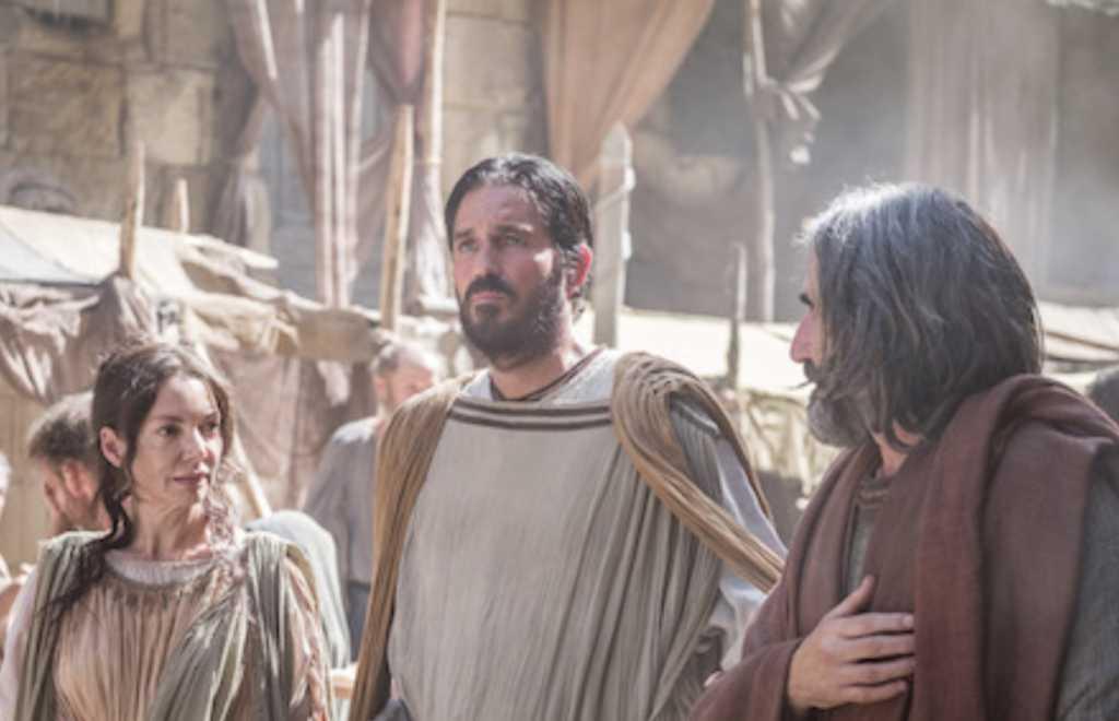 Priscilla (Joanne Whalley), Luke (Jim Caviezel), and Aquila (John Lynch) (Affirm Films)