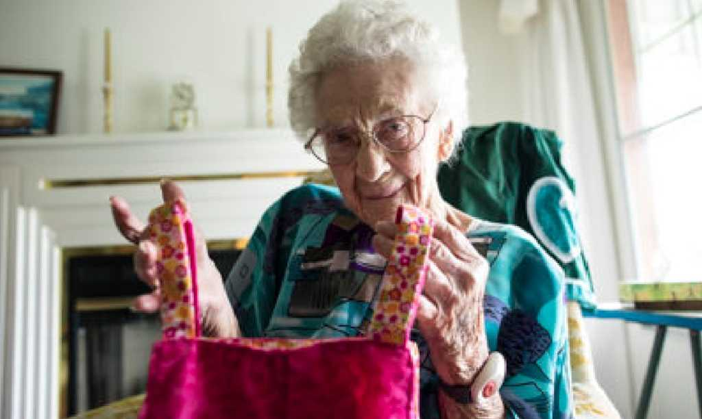 100 Year Old Woman Simply Refuses To Quit Helping People With The Gift Lord Gave
