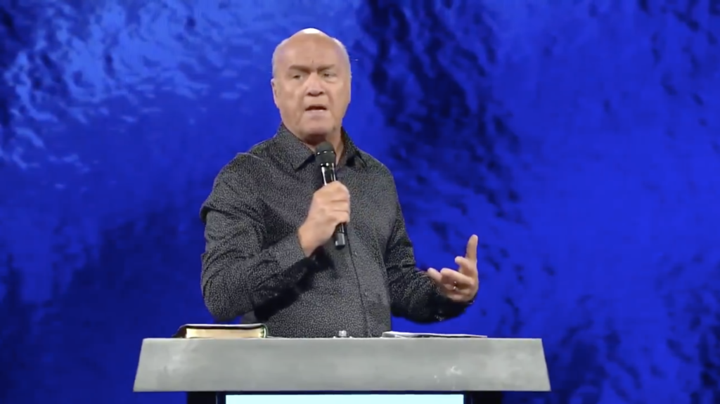 Image credit: @greglaurie/Twitter