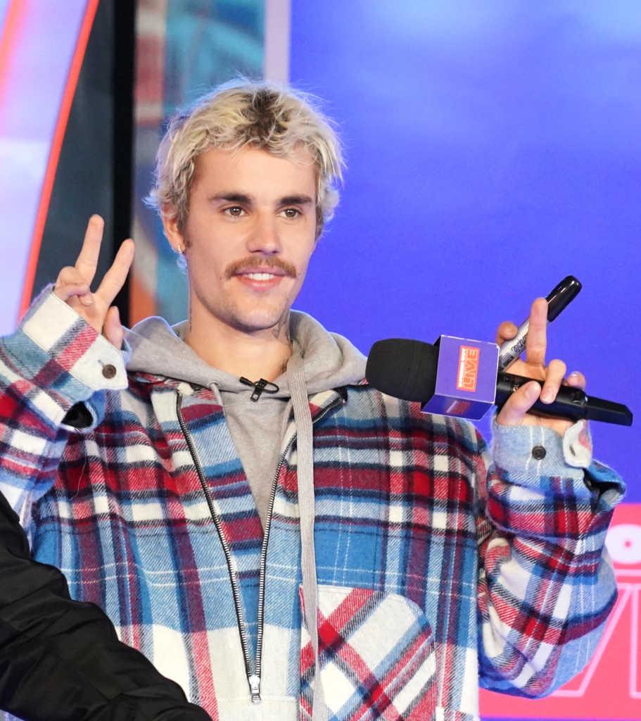 Justin Bieber Hosts '5 Minute Gospel Preaching' on Instagram With Pastor Rich Wilkerson: 'Who Is Jesus?'