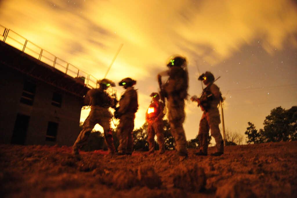 Image: Petty Officer 2nd Class Meranda Keller/U.S. Navy via AP