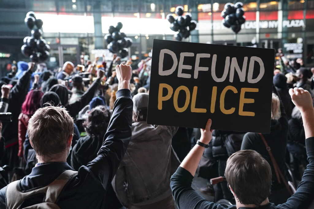 Texas Police Chief Says City In 'Dire Crisis' After Defunding Effort
