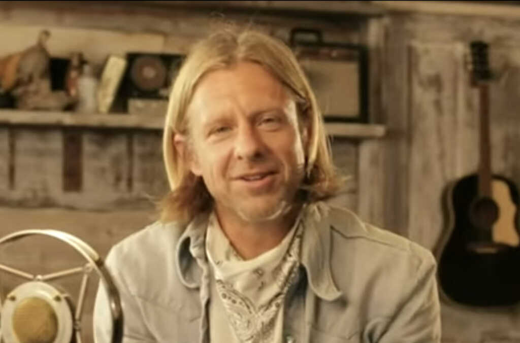 Here We Go: Switchfoot Frontman Jon Foreman Voices Support for Homosexual 'Rights and freedoms' After Fan Yells 'Gay Rights' at Concert